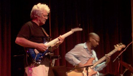 Larry Coryell, Victor Bailey